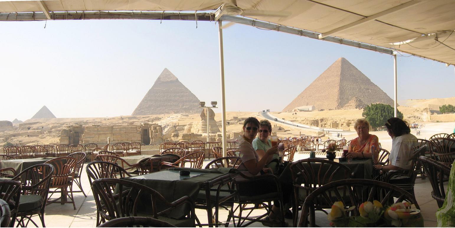 Egypt_pyramids3_1